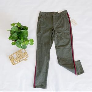 Universal Thread | Army Green Mid Rise Crop Pants